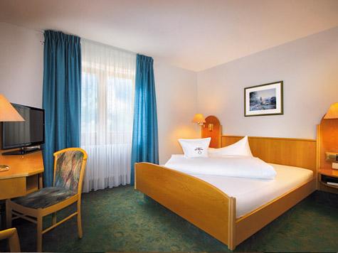 """Landhotel und Landgaststätte  """"Zur Pfanne"""": Fühlen Sie sich wie zu Hause in unseren eleganten Zimmern"""