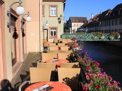 Cafe Pierod Ettlingen: Entspannen direkt am Fluß