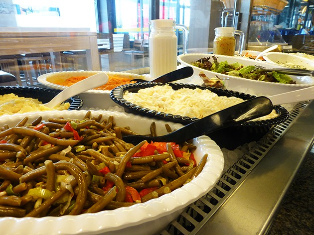 Centeria Restaurant Laufenburg: Unsere Salatbar - lecker und frisch