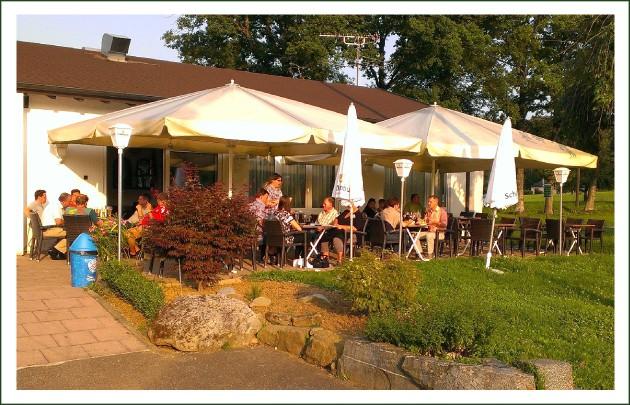 Sportgaststätte Dettenhausen: Unsere schöne Sonnenterrasse