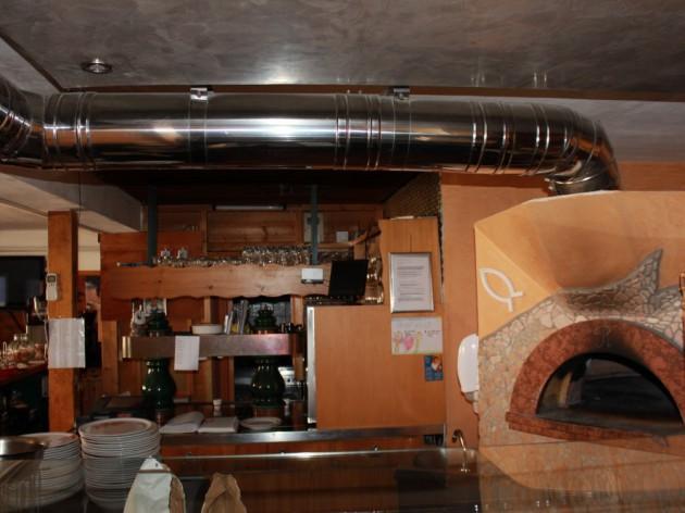 Pizzeria - La Rustica: Unser Pizza-Holzbackofen