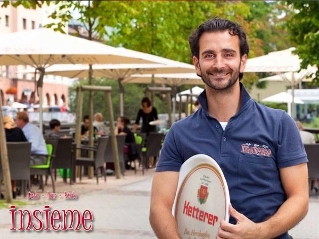 Café Bar Insieme: Kaffe dirket am Flußufer? Cafe Insieme bietet noch viel mehr!!