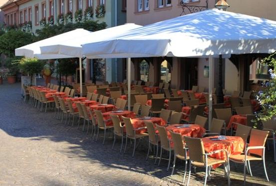 Cafe Pierod Ettlingen: Genießen in der Fußgängerzone