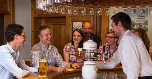 Brauereigaststätte Dinkelacker: Genießen Sie Ihren Feierabend an unserer BAR!