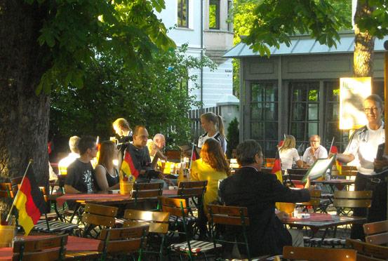 Restaurant & Hotel Engelkeller 4****: Unser Biergarten