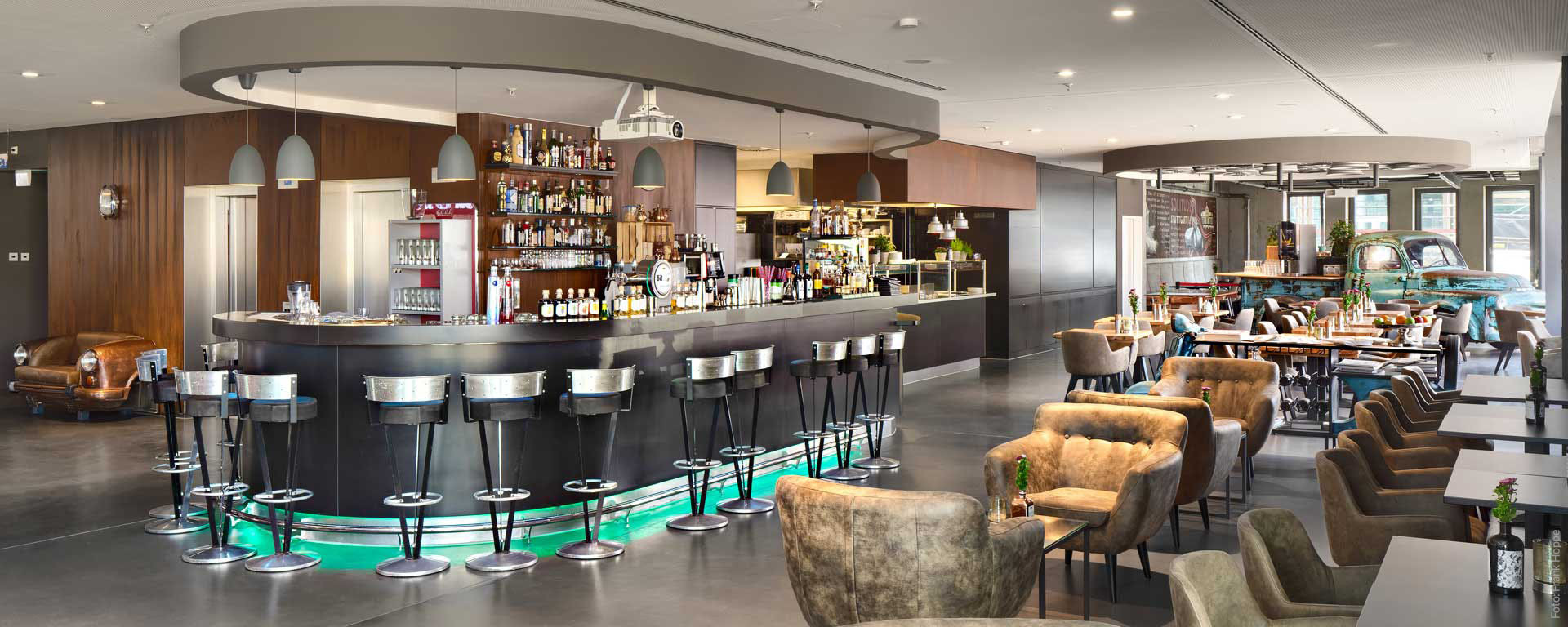 """V8 HOTEL """"PICK-UP"""": Genießen im V8 HOTEL"""