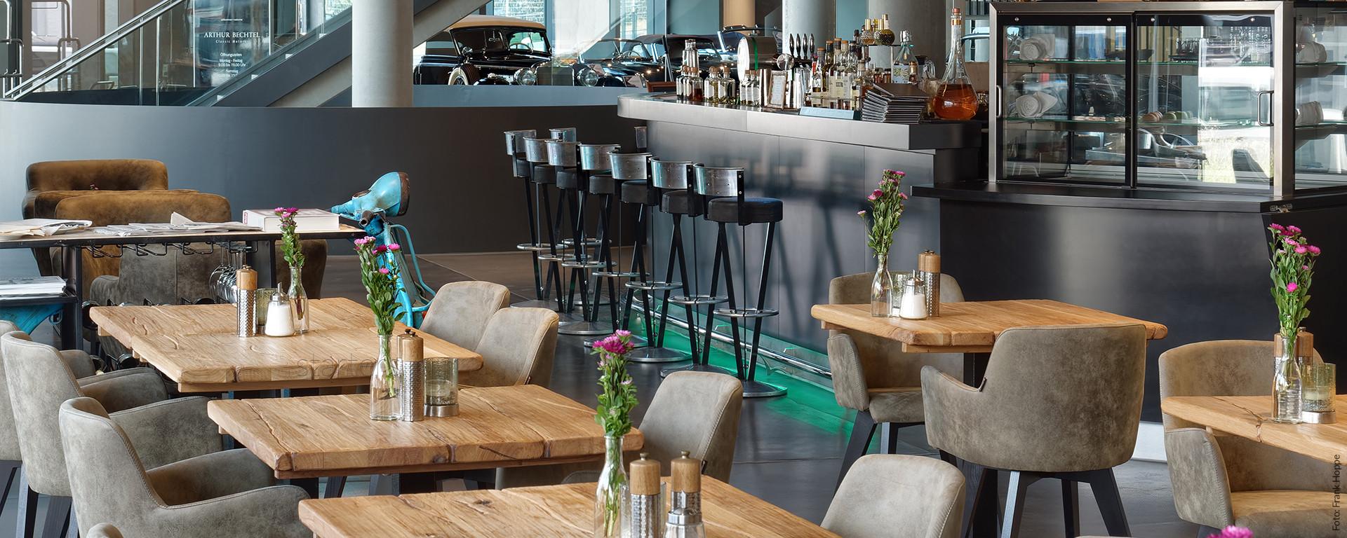 V8 HOTEL Restaurant & Bar PickUp
