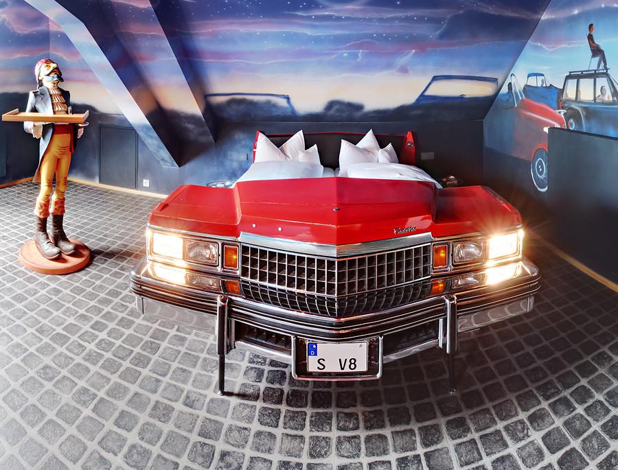 Themenzimmer V8 HOTEL Classic