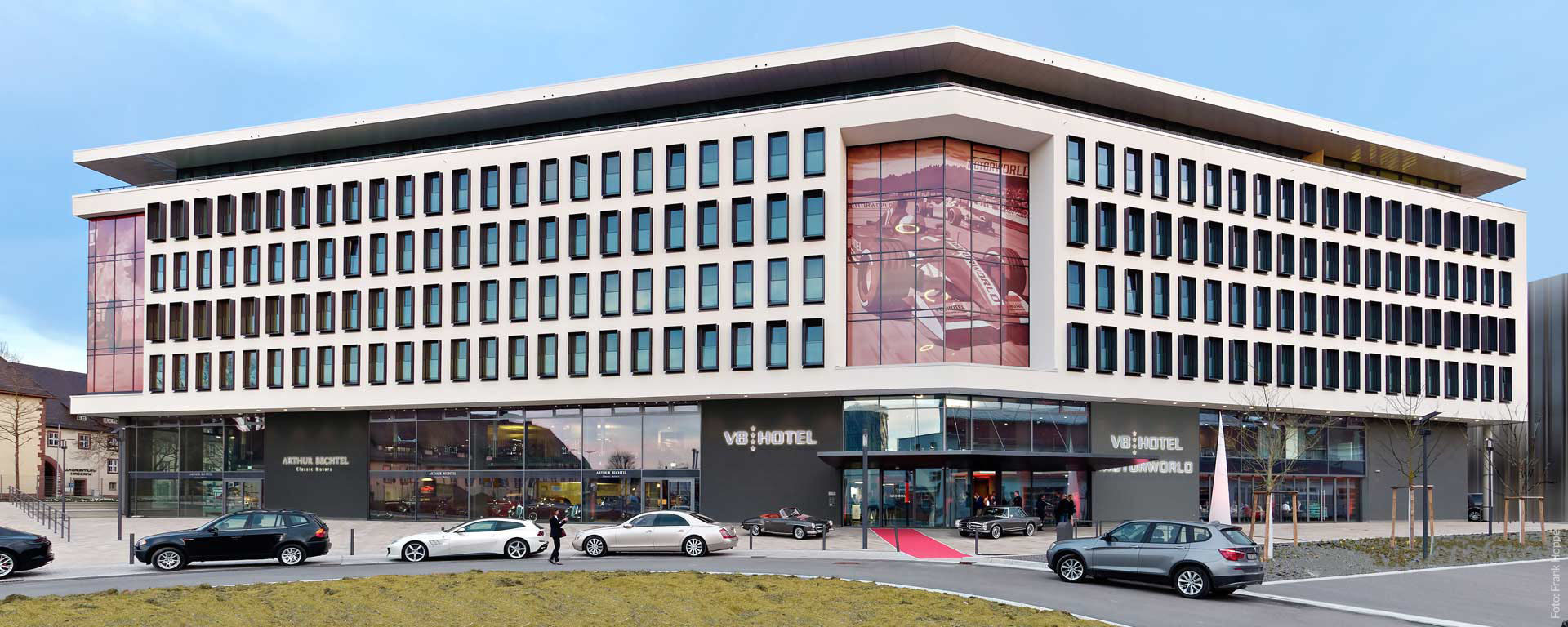 V8 Hotel in der MOTORWORLD Region Stuttgart