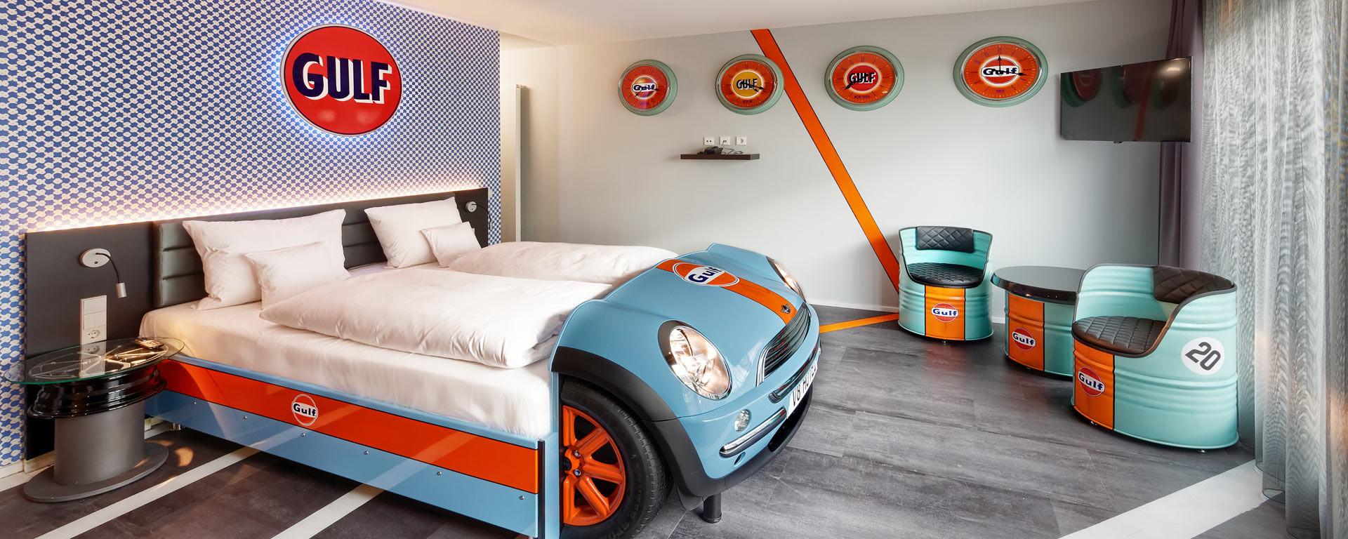 V8 HOTEL Themenzimmer