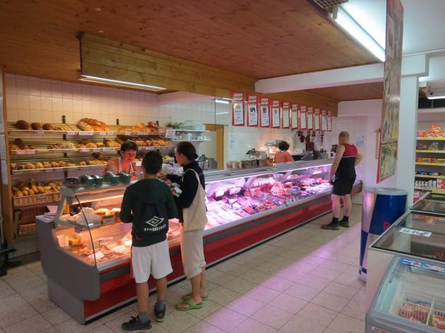 Brotzeit Stadel: Metzgerei & Bäckerei