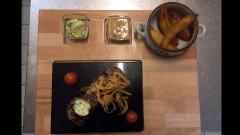 Zartes Steak mit Kräuterbutter vom Heißen Stein im Pizza-Restaurant Roter Gugelhan in Konstanz KN