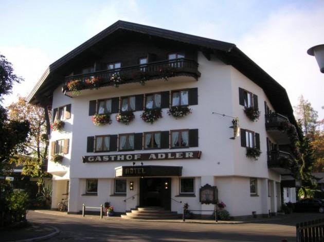 Hotel Gasthof Adler: Unser Hotel liegt im Herzen von Oberstdorf.