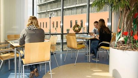 Café in der Virngrund-Klinik & Kiosk: Einblicke in das Café