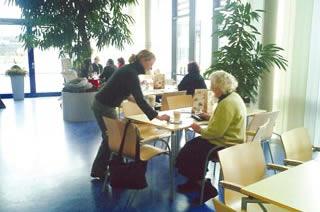 Café in der Virngrund-Klinik & Kiosk: Das Café hat auch einen Kiosk