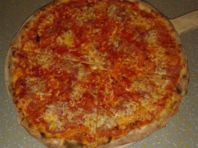 La Rustica - Lieferservice & Gaststätte: Pizza vom Feinsten