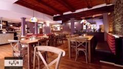 Im Selin Café-Restaurant - Münsterplatz Konstanz - gibt es auch Kaffee und Kuchen