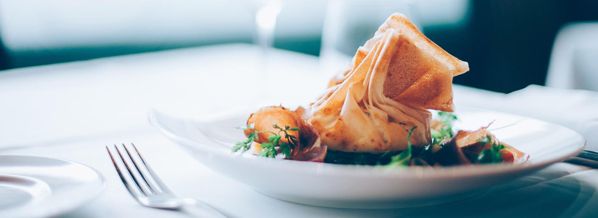 Die Küche in den Ratsstuben Weissach ist saisonal wechselnd. Sie erhalten lactose- als auch verlässlich glutenfreie Gerichte - aber auch ein vegetarisch-veganes Speiseangebot.
