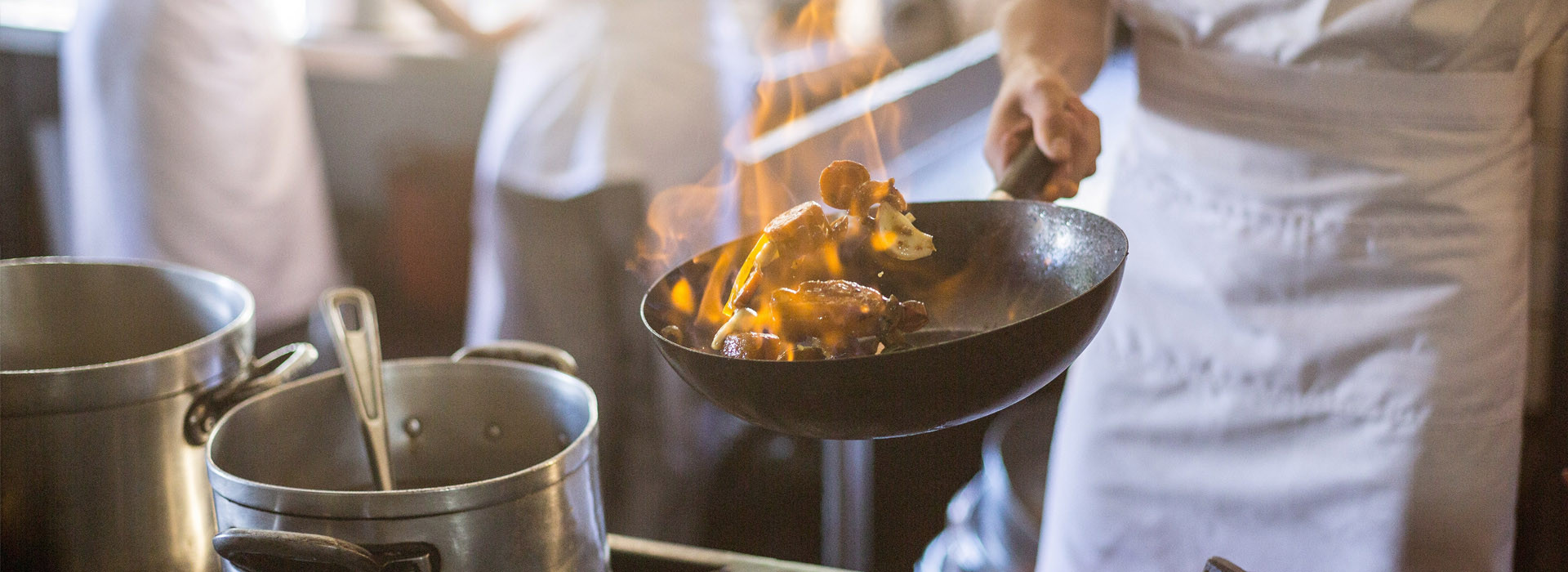 Ratsstuben Weissach steht für Qualität, die man schmeckt, z.B. beim Fleisch: Wir verarbeiten ausschließlich Schwäbisch-Hällisches Rind- und Schweinefleisch aus bester Zucht und kontrollierter, artgerechter Tierhaltung