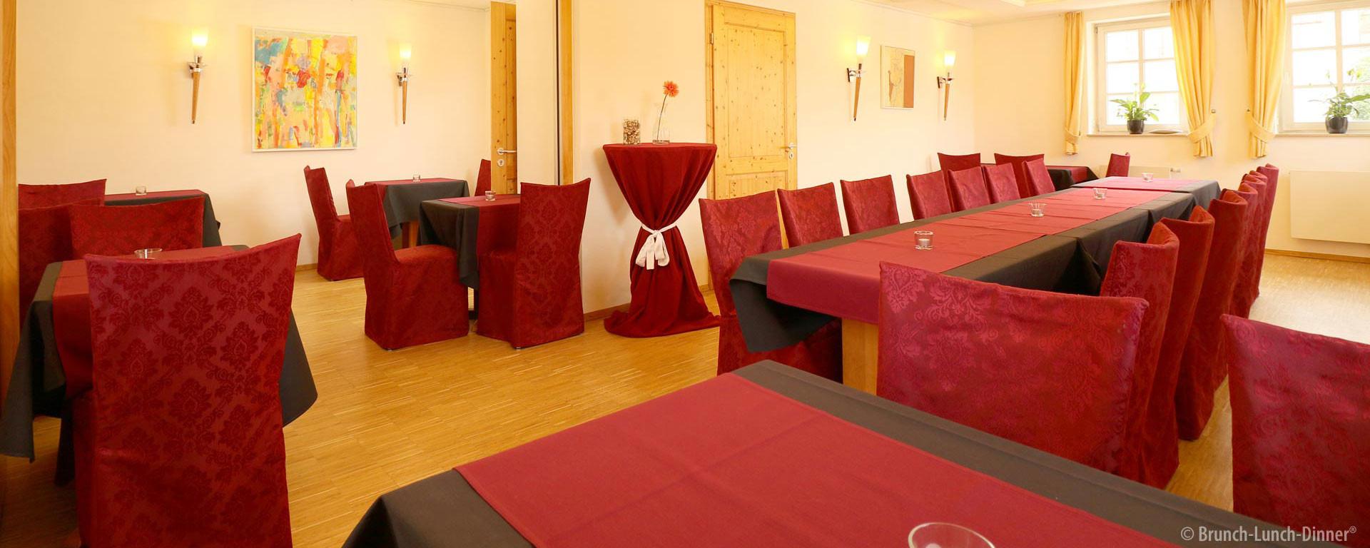 Ambiente und Genuss: Nebenraum für ca. 25 - 30 Personen für private Feiern, Besprechungen, Meetings, Geschäftsessen und Präsentationen