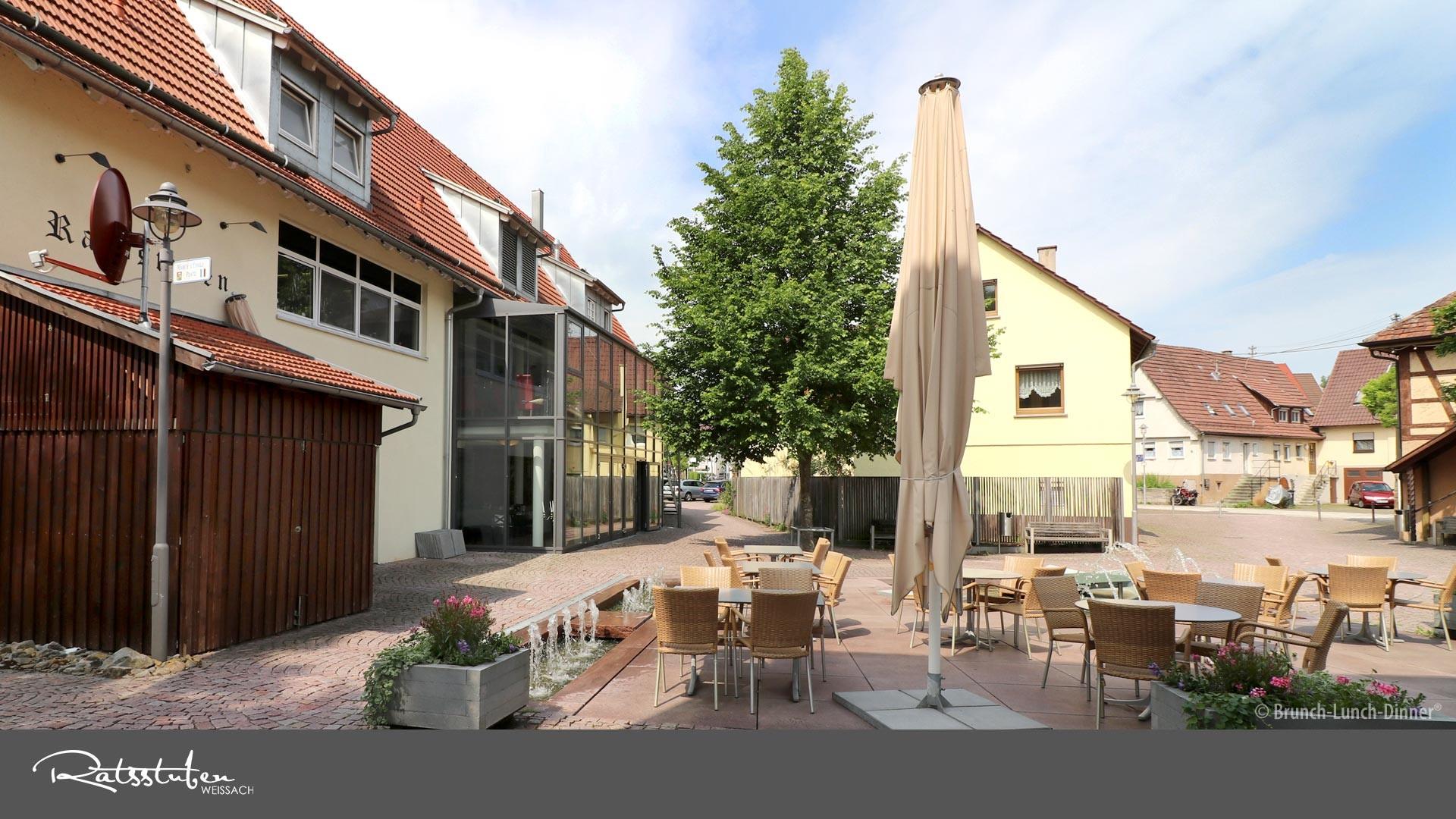 Der Geheimtipp: Ratsstuben Restaurant Weissach - das Ambiente für Ihre Firmenfeier - mit Terrasse in einem schön gestalteten Aussenbereich