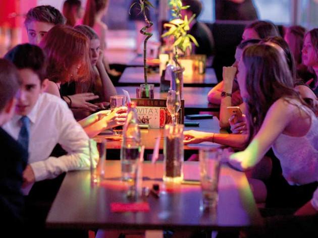 piet Tanz- & Veranstaltungs-GmbH: Bar-Club-Lounge mit Bar-Theke
