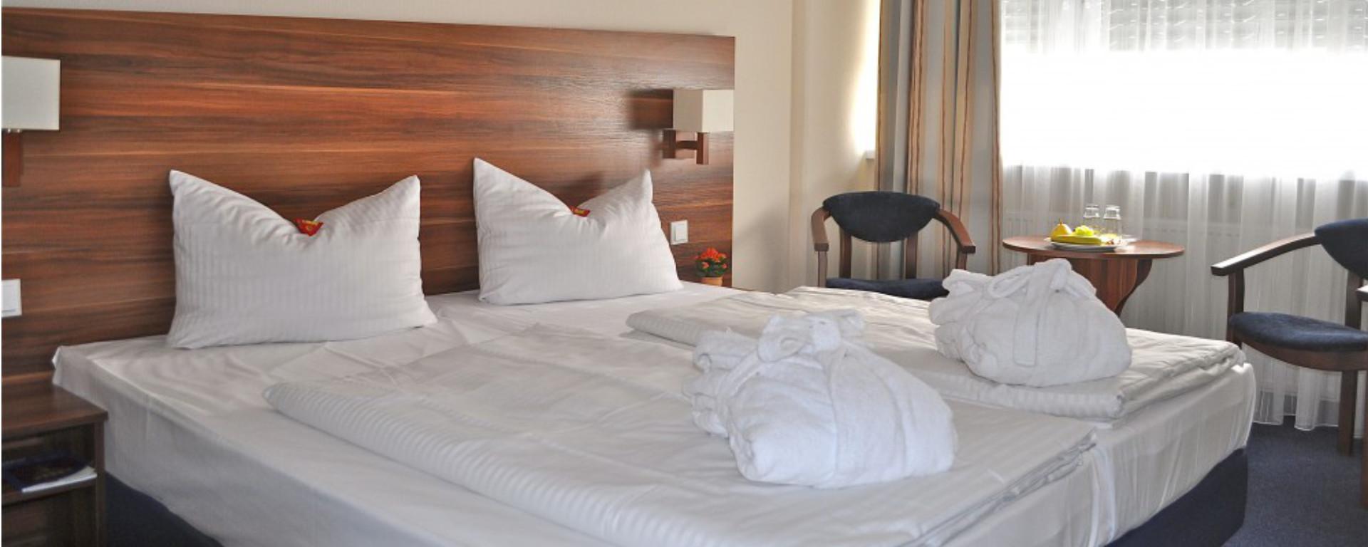 Unterkunft, Übernachtung, bed and breakfast, b&b, Zimmer im SAVOY Hotel Frankfurt am Hauptbahnhof/ Messe - FFM Zentrum