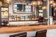 Premier Inn Nuernberg City Centre bar