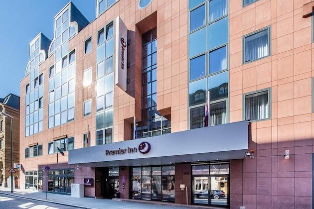 Premier Inn Frankfurt City Centre Hotel