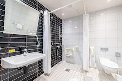 Premier Inn Germany accessible wet room