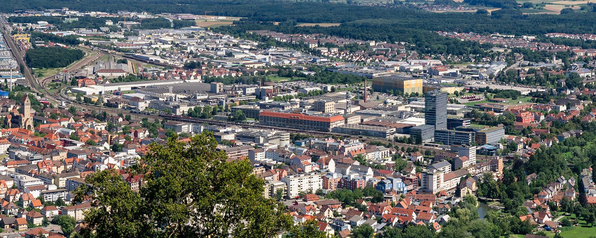 HEGAU-TOWER HOTEL : Mitten in der Stadt und doch der Blick ins Grüne!