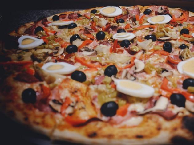 Pizzeria Buon Gusto: Pizza wie in Italien